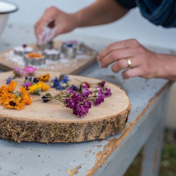 5 - Květinové koupele (workshop) - Kytky od potoka