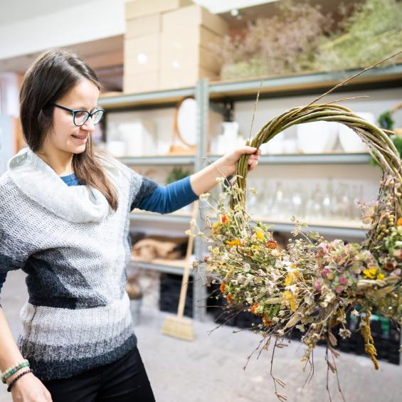 Jarni venec vrbovy workshop Kytkyodpotoka - Vyrobte si vlastní podzimní věnec - Kytky od potoka