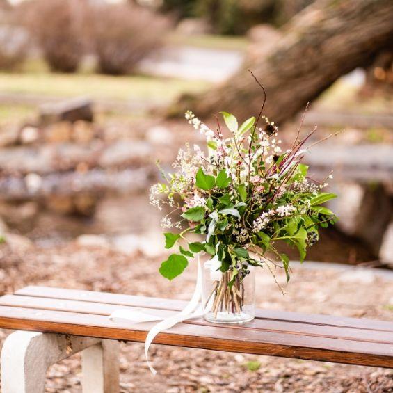 8 1 - Mini svatba - Kytky od potoka