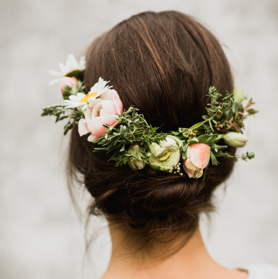 Kvety do vlasu nevesta Kytky od potoka - Mini svatba - Kytky od potoka