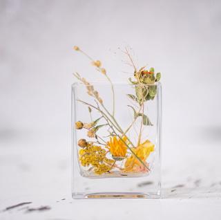 Susene kvety do sklenicek na stoly od 150 Kc - Mini svatba - Kytky od potoka
