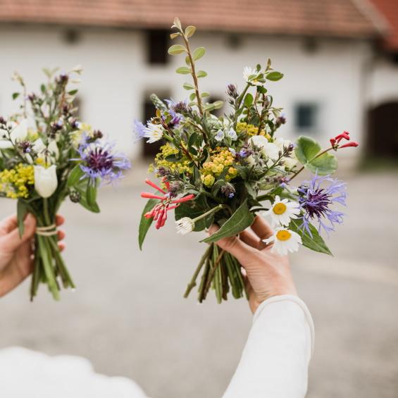 Svatebni kvetiny maminky Kytky od potoka - Mini svatba - Kytky od potoka
