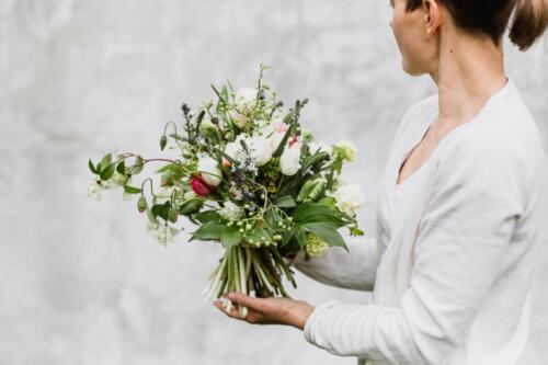 jarni svatební kytice pestrá