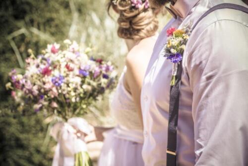 letní svatba svatební kytice korsáž