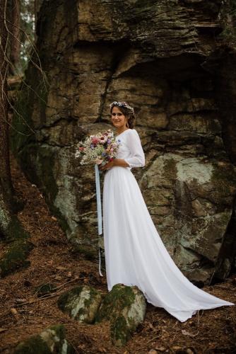 Letni svatba Kytkyodpotoka foto Lin Serkova